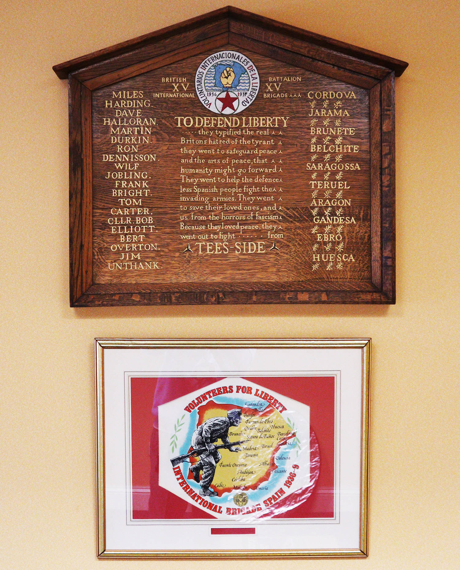 A photo of the Teesside International Brigaders plaque in Middlesbrough Town Hall